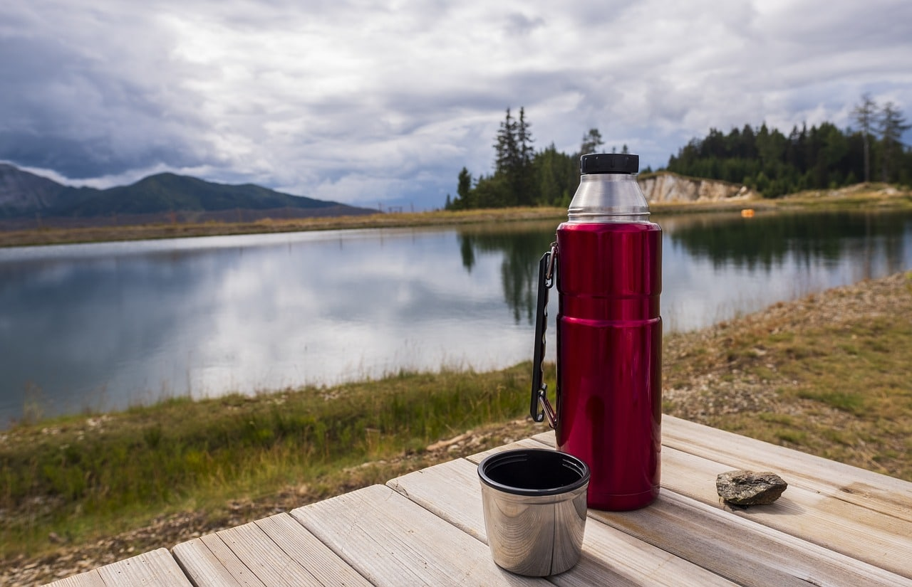 hiking-with-coffee
