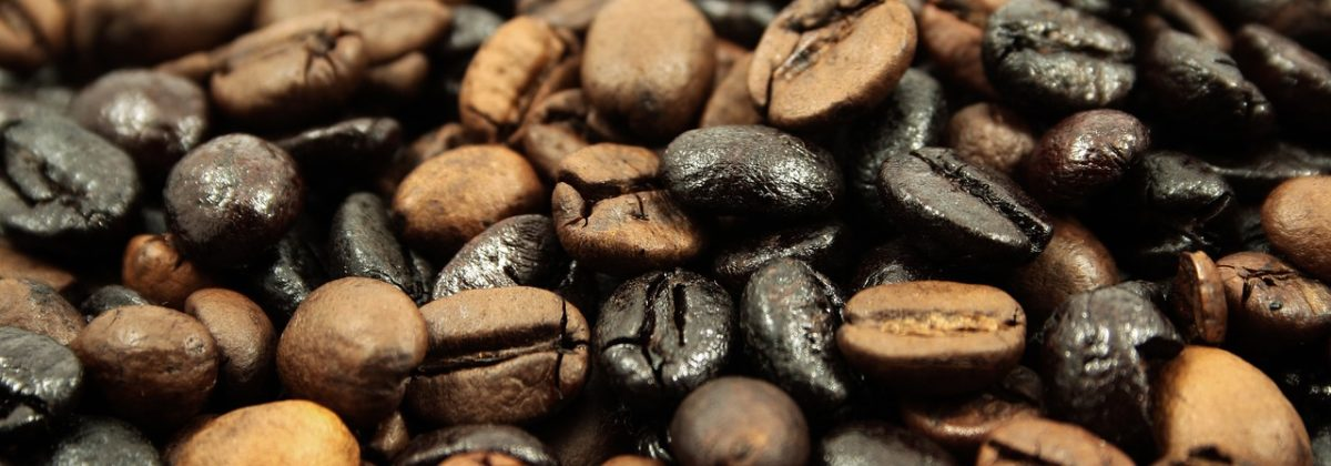 What's In A Roast? How To Choose Between A Light, Medium, And Dark Roast Coffee