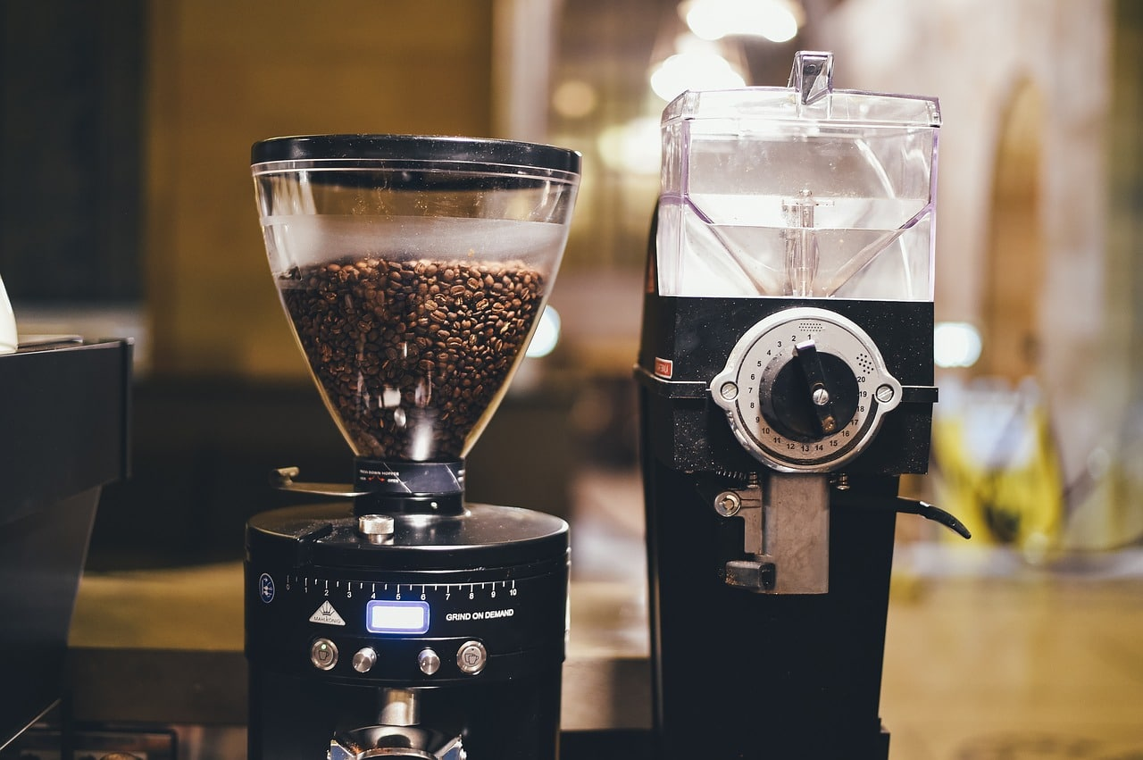 What Is The Best Coffee Maker With Grinder Money Can Buy This Year?